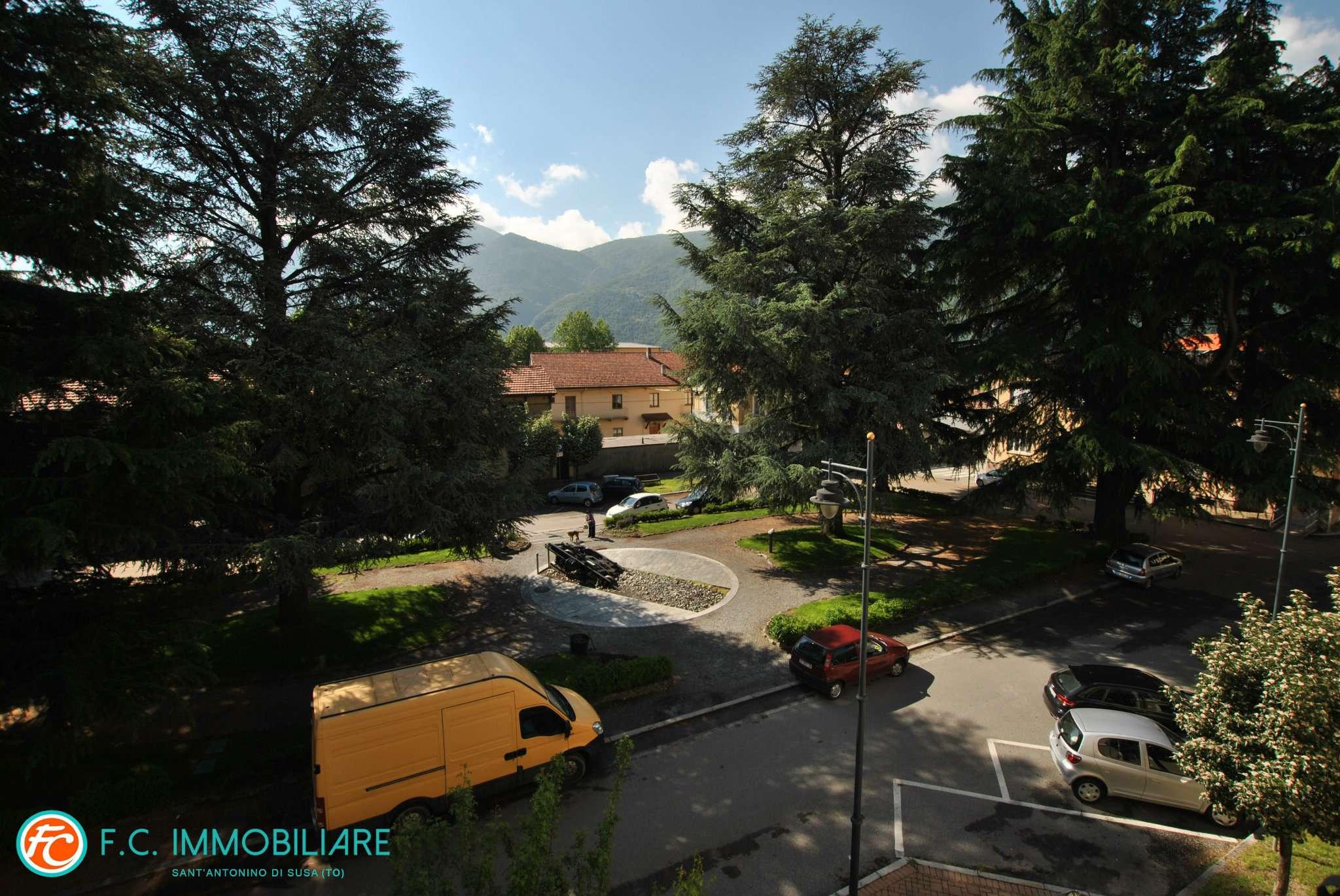 Foto 1 di Appartamento piazza Vittorio Veneto, Condove