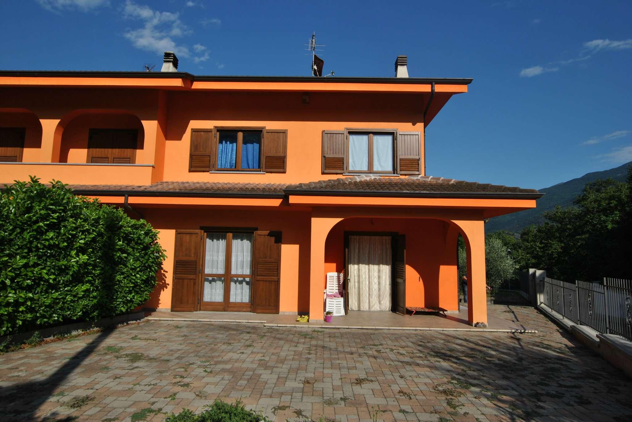Foto 1 di Villa a Schiera via San Rocco, frazione Foresto, Bussoleno