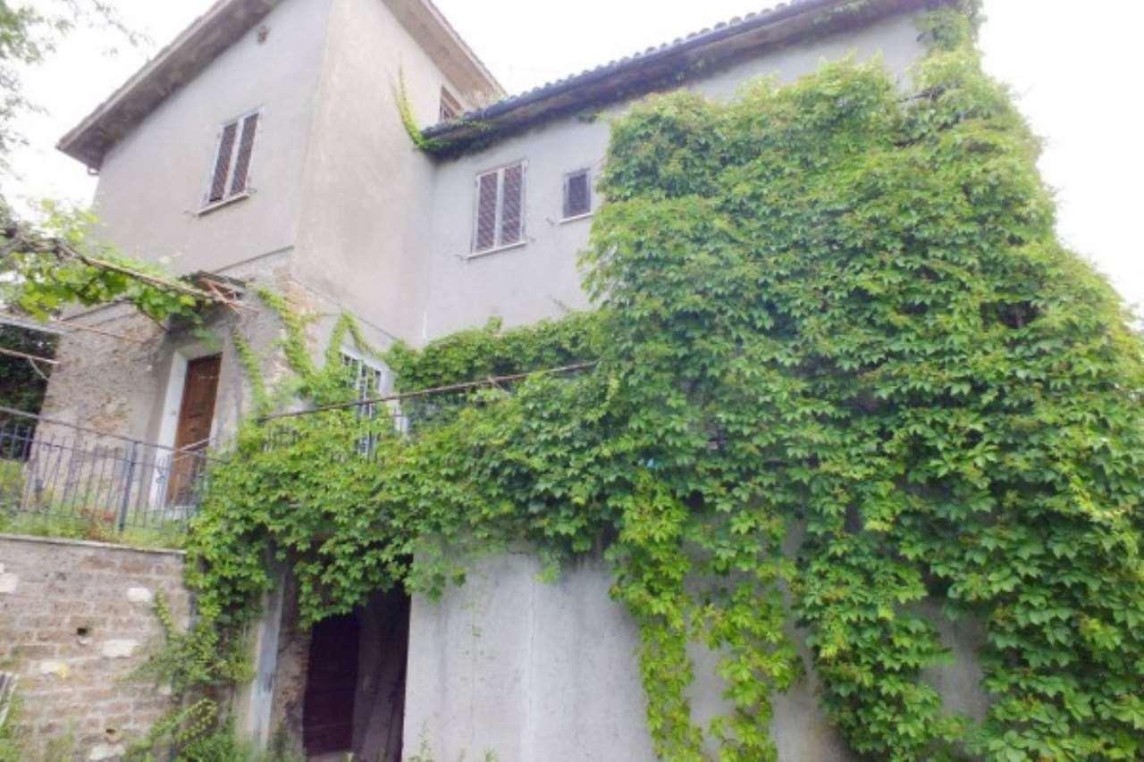 Rustico / Casale in vendita a Casperia, 4 locali, prezzo € 80.000 | Cambio Casa.it