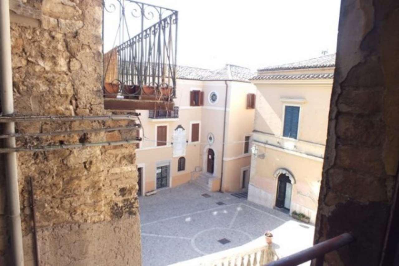 Appartamento in vendita a Casperia, 5 locali, prezzo € 65.000 | Cambio Casa.it