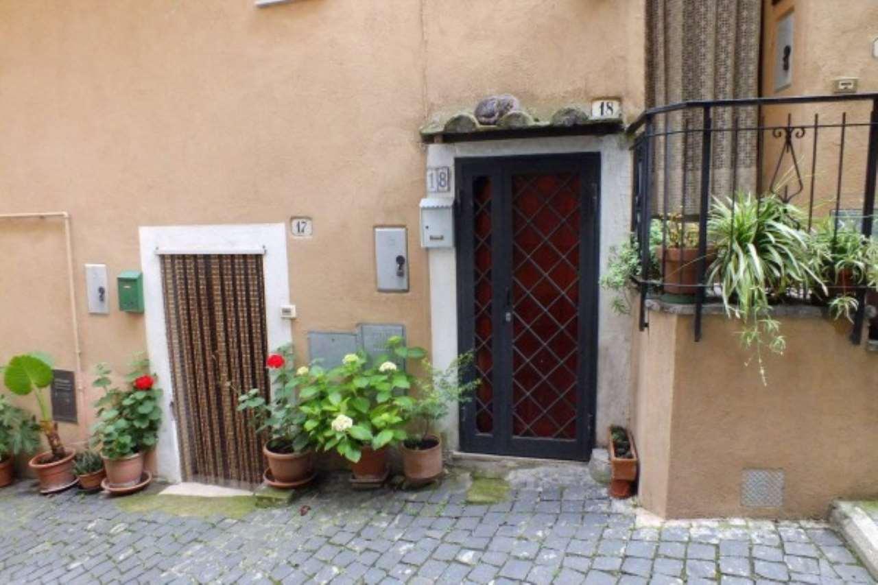 Appartamento in vendita a Torrita Tiberina, 4 locali, prezzo € 80.000 | Cambio Casa.it