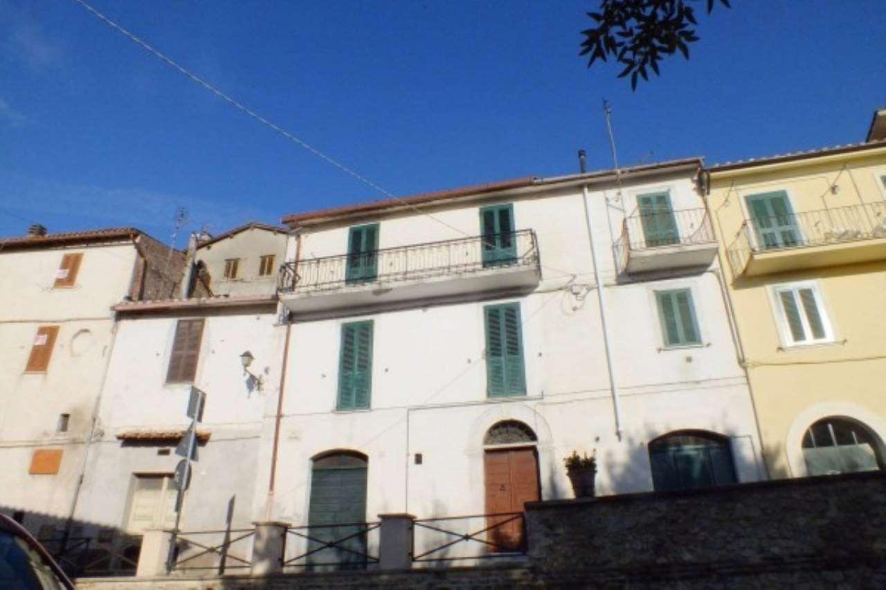 Appartamento in vendita a Poggio Catino, 3 locali, prezzo € 65.000   Cambio Casa.it