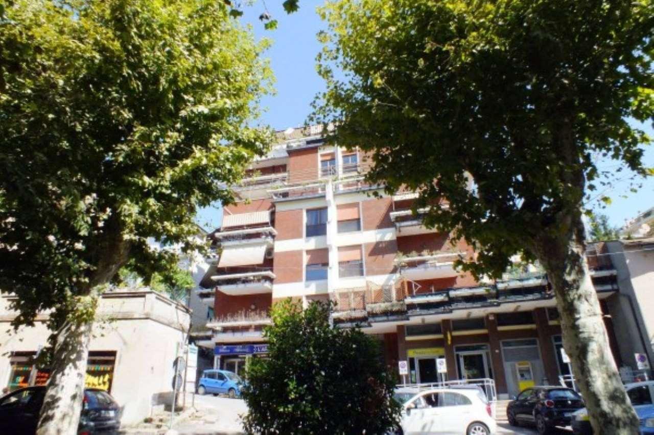 Appartamento in vendita a Poggio Mirteto, 4 locali, prezzo € 158.000 | Cambio Casa.it