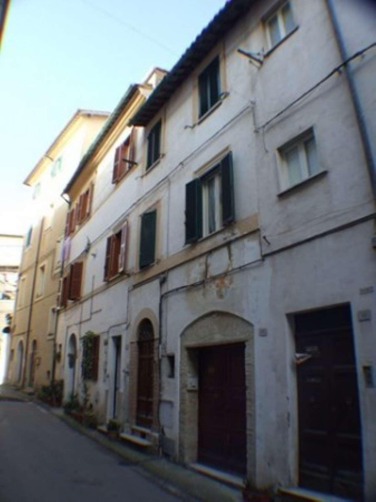 Appartamento in vendita a Poggio Mirteto, 3 locali, prezzo € 90.000   Cambio Casa.it