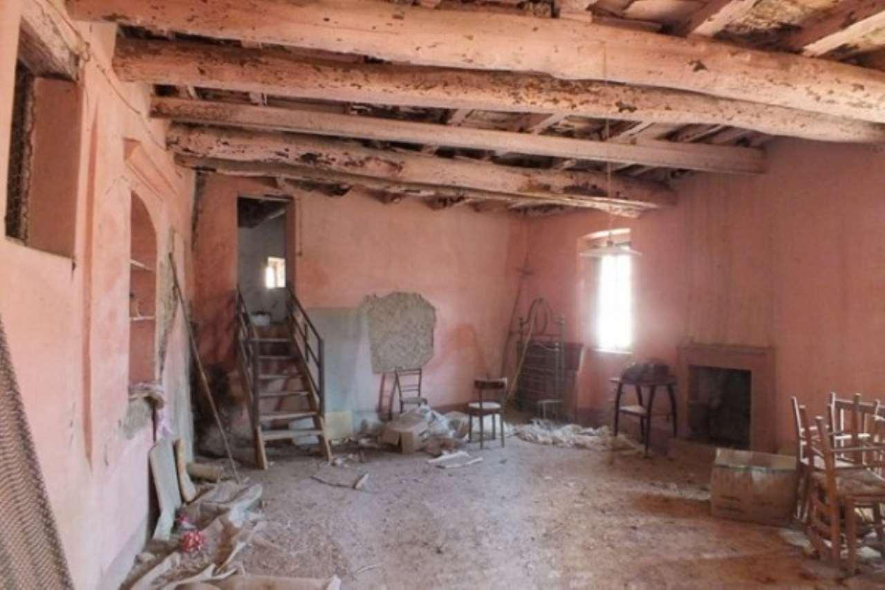 Appartamento in vendita a Casperia, 3 locali, prezzo € 65.000 | Cambio Casa.it