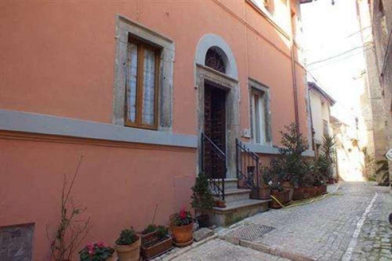 Appartamento in vendita a Casperia, 2 locali, prezzo € 90.000 | Cambio Casa.it