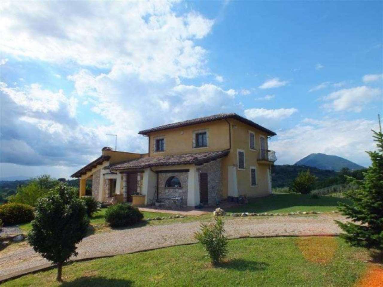 Villa in vendita a Casperia, 6 locali, prezzo € 550.000 | Cambio Casa.it
