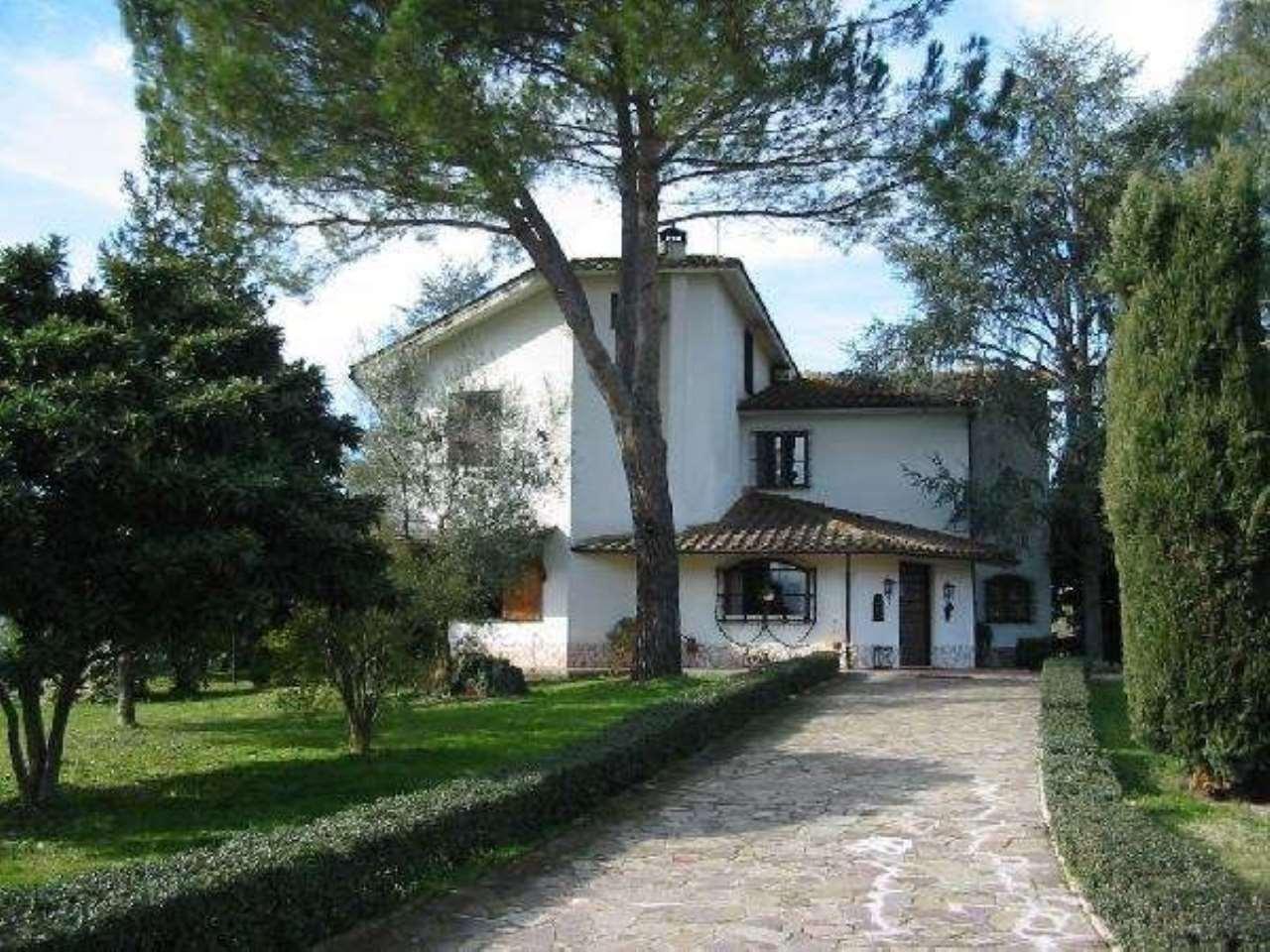 Villa in Vendita a Poggio Mirteto