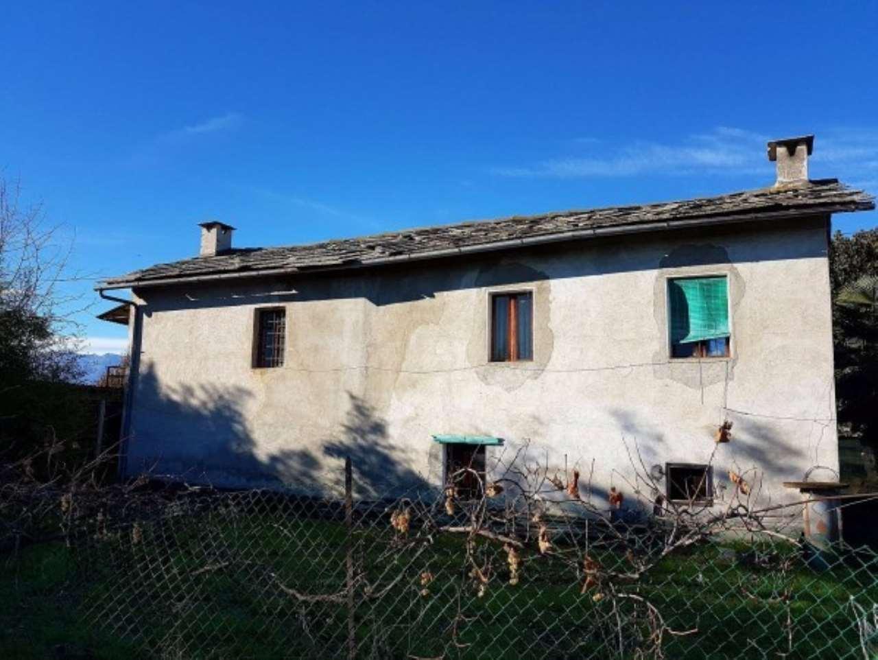 Rustico / Casale in vendita a Cavour, 5 locali, prezzo € 85.000   Cambio Casa.it