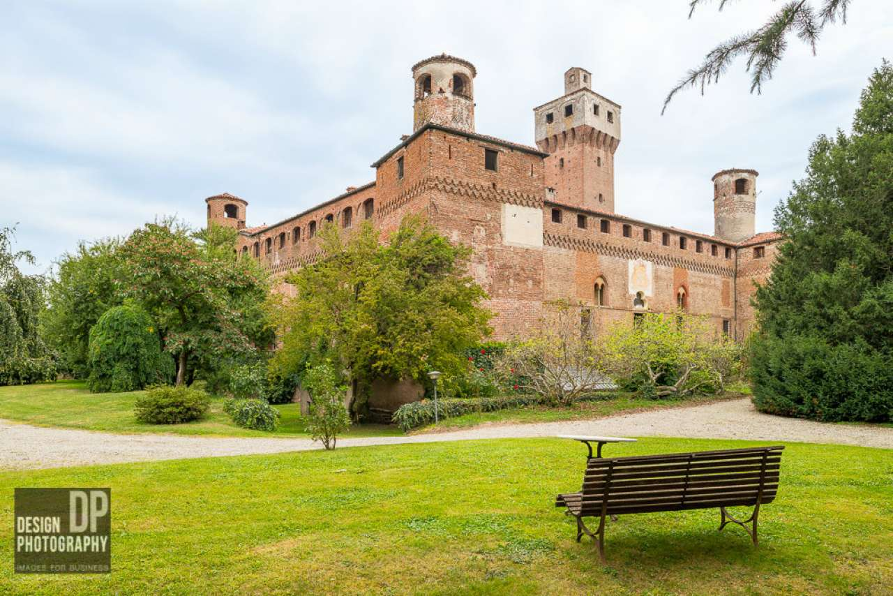 Palazzo in Vendita a Macello: 5 locali, 500 mq