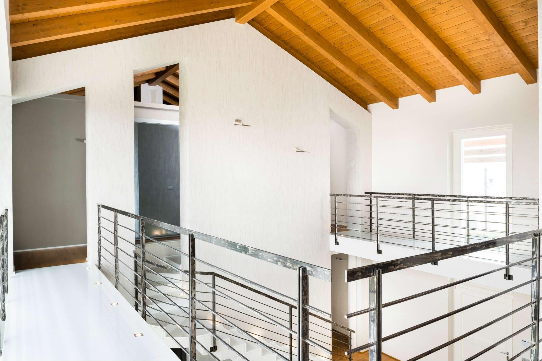 Villa in Vendita a Villafranca Piemonte: 5 locali, 440 mq