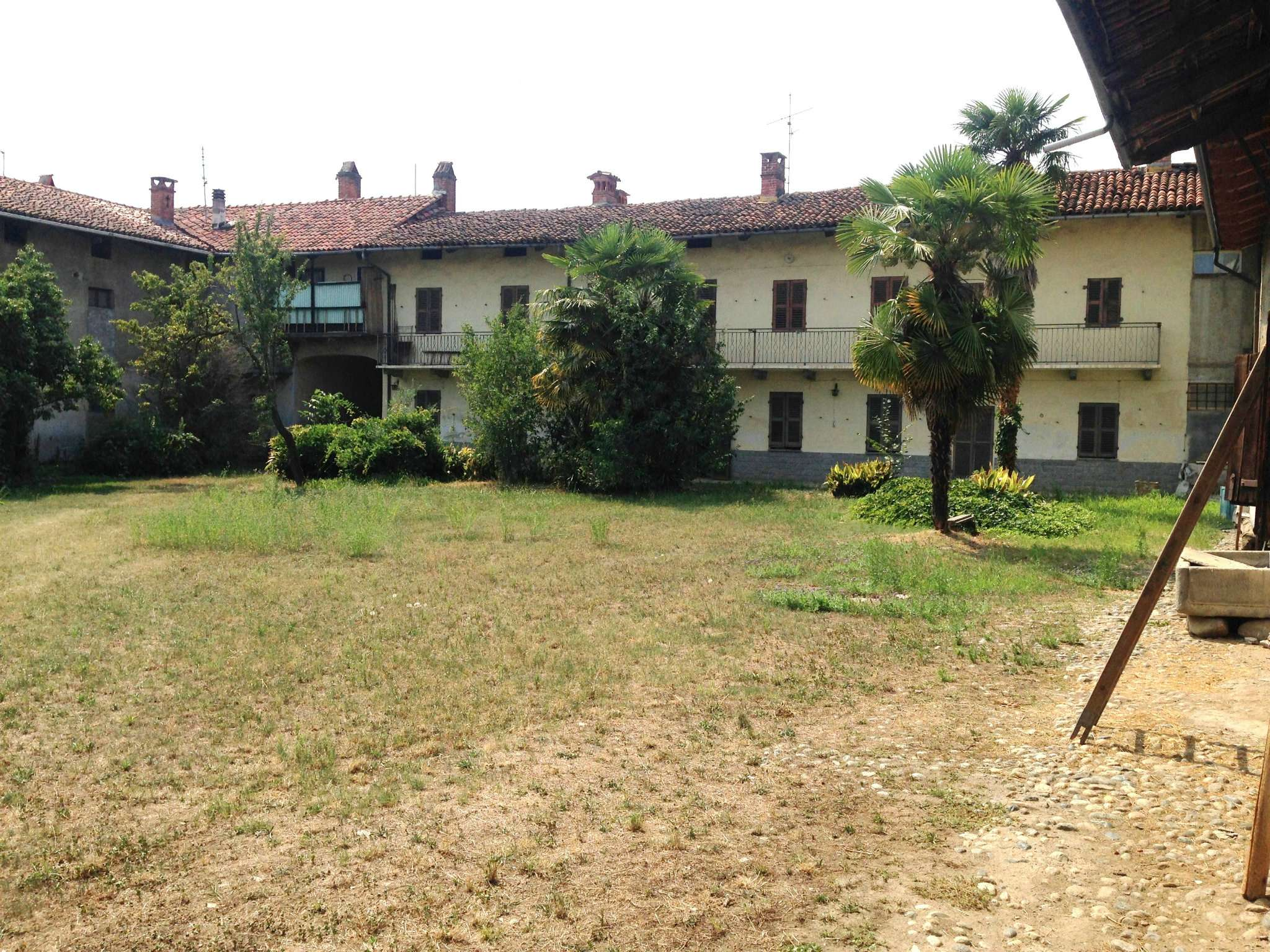 Rustico / Casale in vendita a Garzigliana, 6 locali, prezzo € 135.000 | Cambio Casa.it