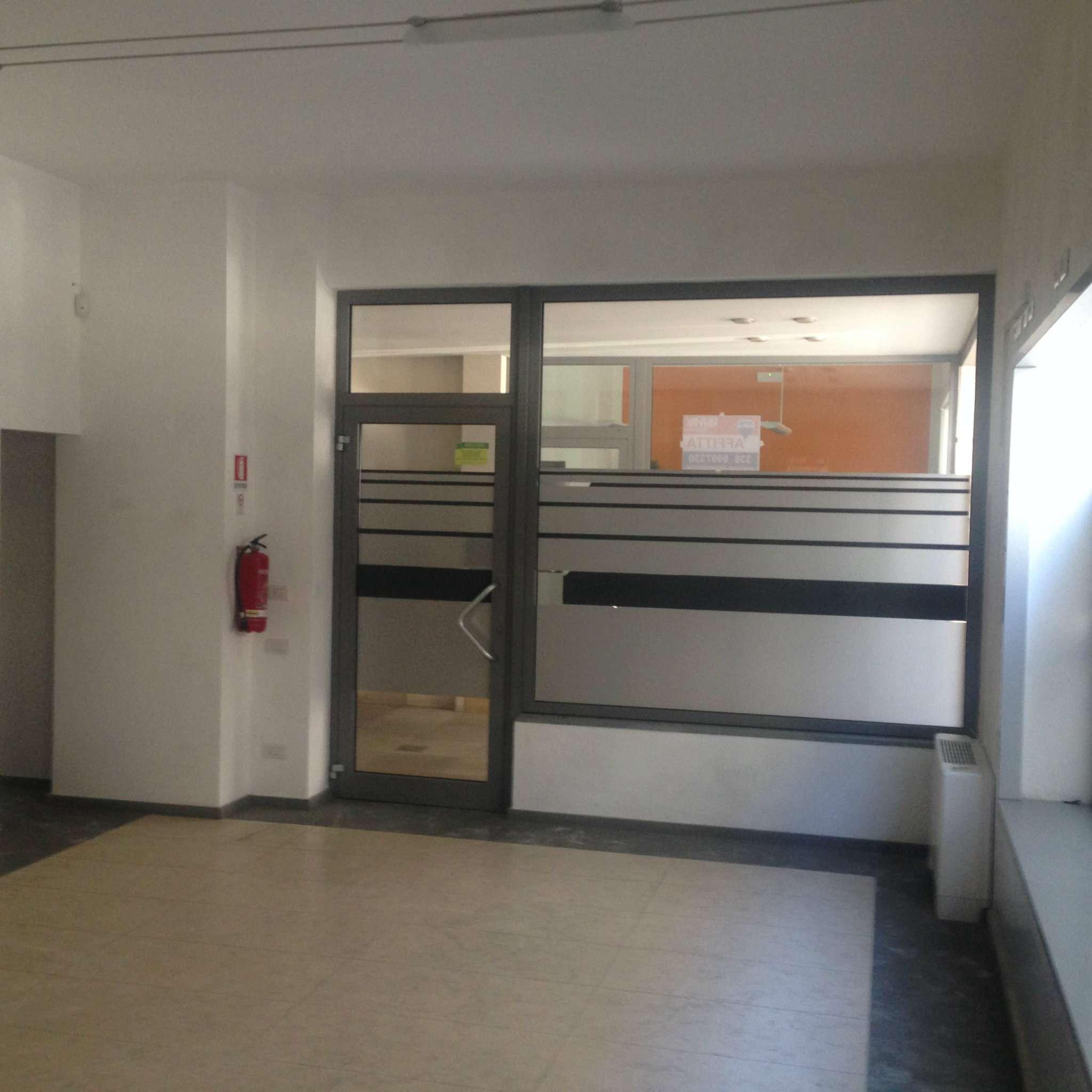 Ufficio-studio in Affitto a Pinerolo: 2 locali, 80 mq