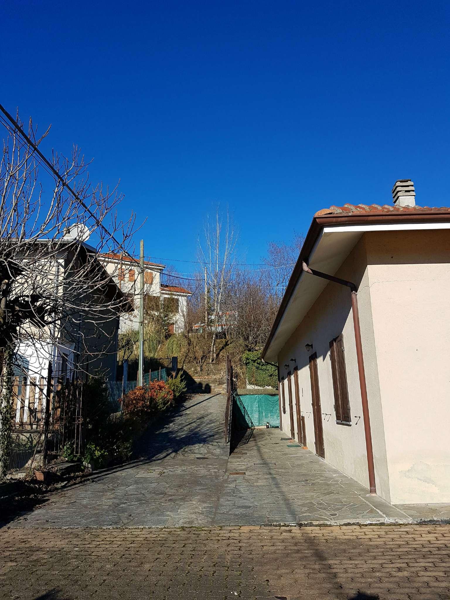 Soluzione Indipendente in vendita a Pinerolo, 10 locali, prezzo € 259.000 | Cambio Casa.it