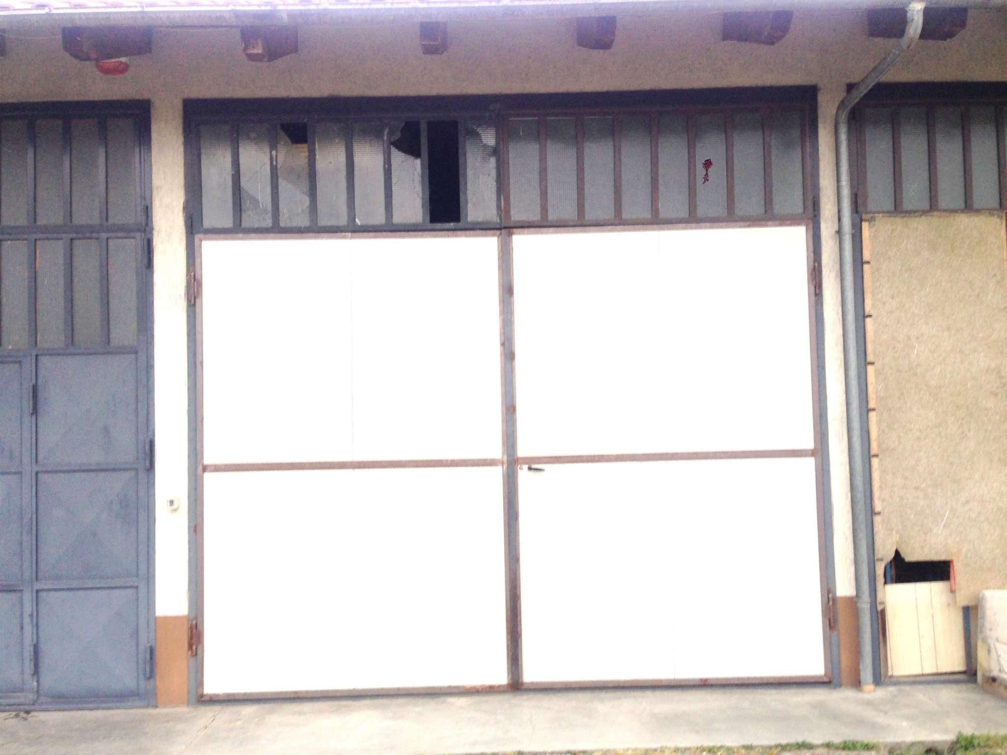 Magazzino in Affitto a Pinerolo: 1 locali, 200 mq