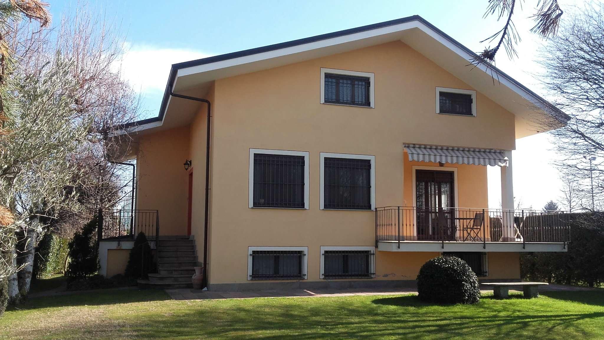 Villa in vendita a Pinerolo, 6 locali, prezzo € 390.000 | Cambio Casa.it