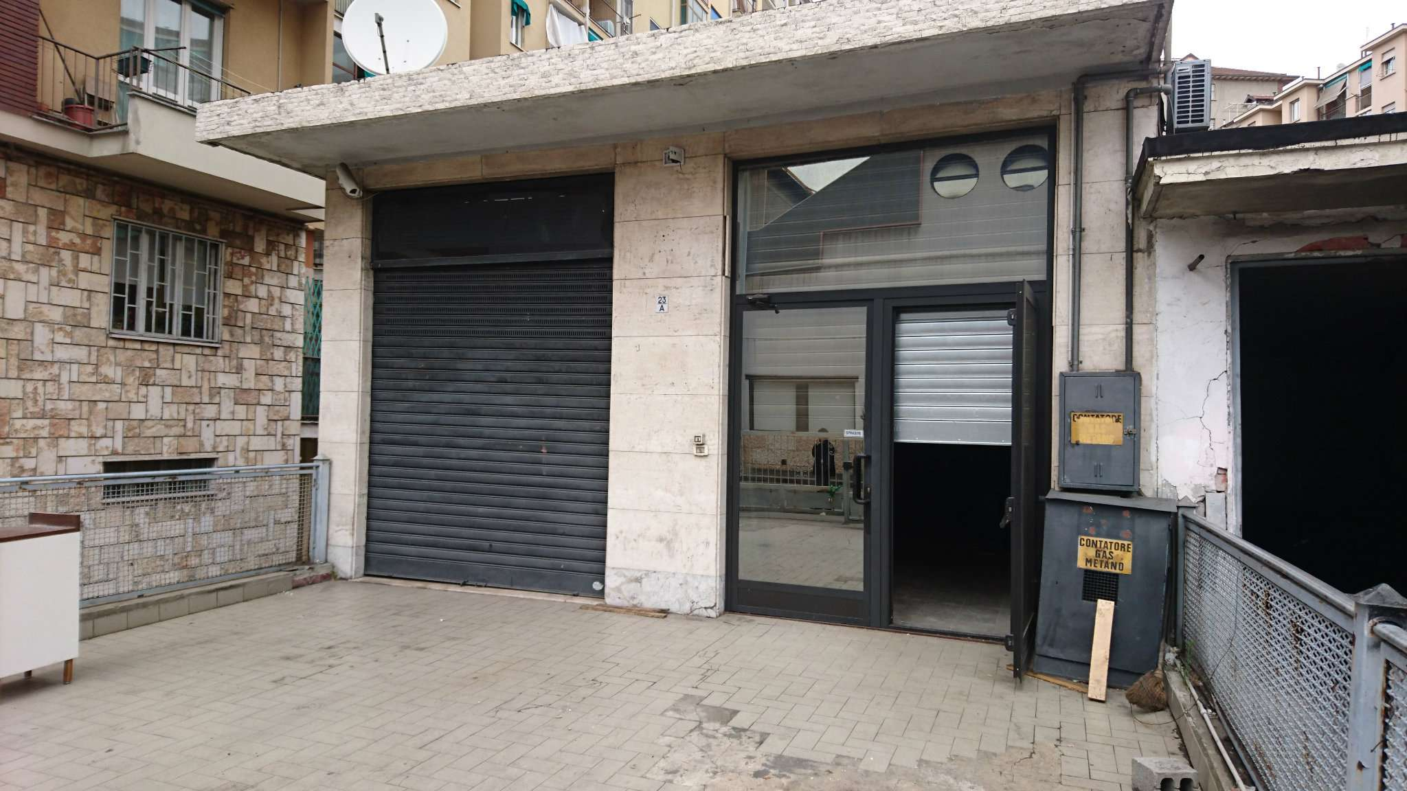 Negozio-locale in Vendita a Torino Semicentro: 3 locali, 340 mq
