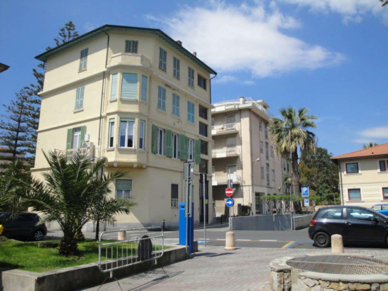Appartamento in Vendita a Bordighera: 5 locali, 120 mq