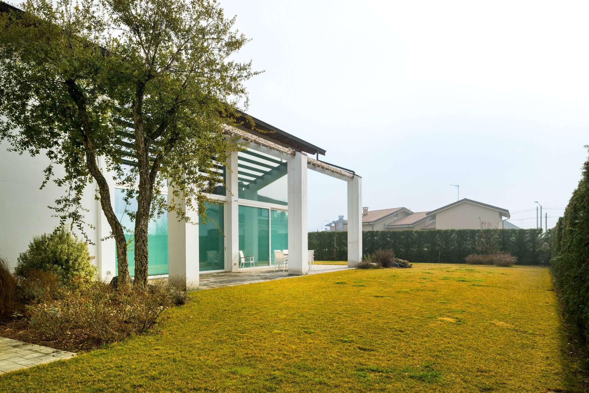 Villa in Vendita a Villafranca Piemonte: 440 mq