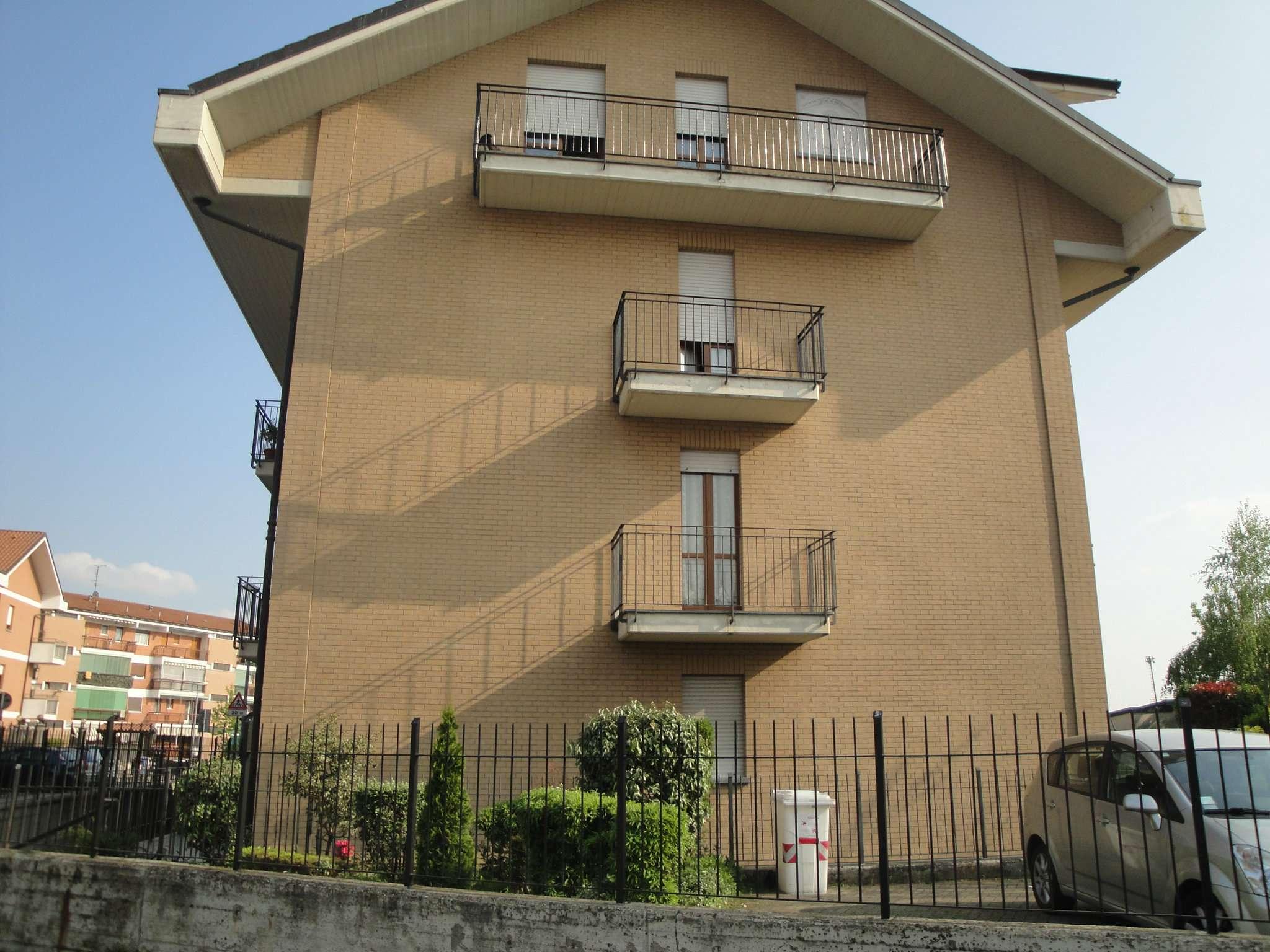 Appartamento in Vendita a Piossasco: 4 locali, 100 mq