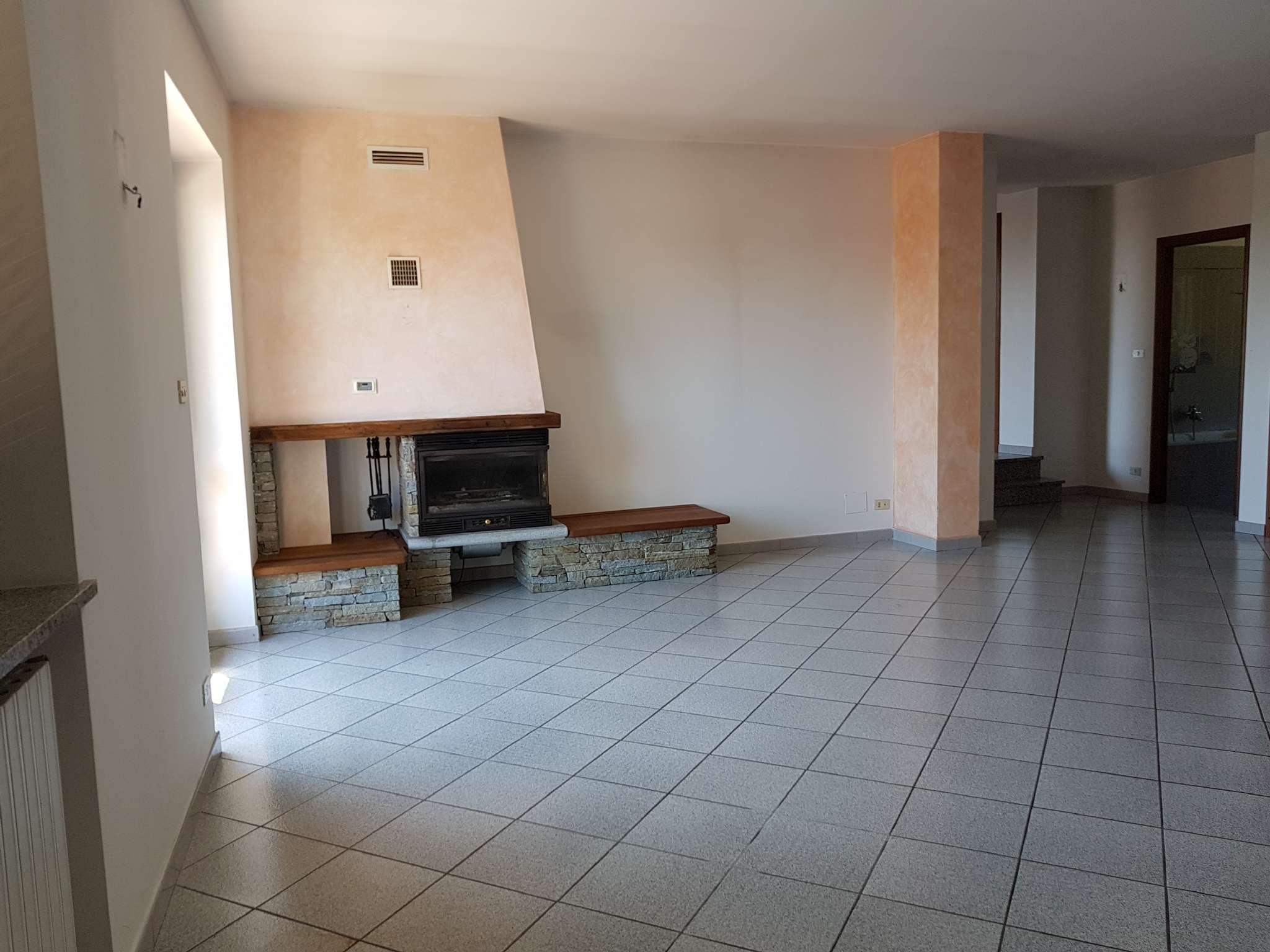 Appartamento in Affitto a Cantalupa: 4 locali, 110 mq