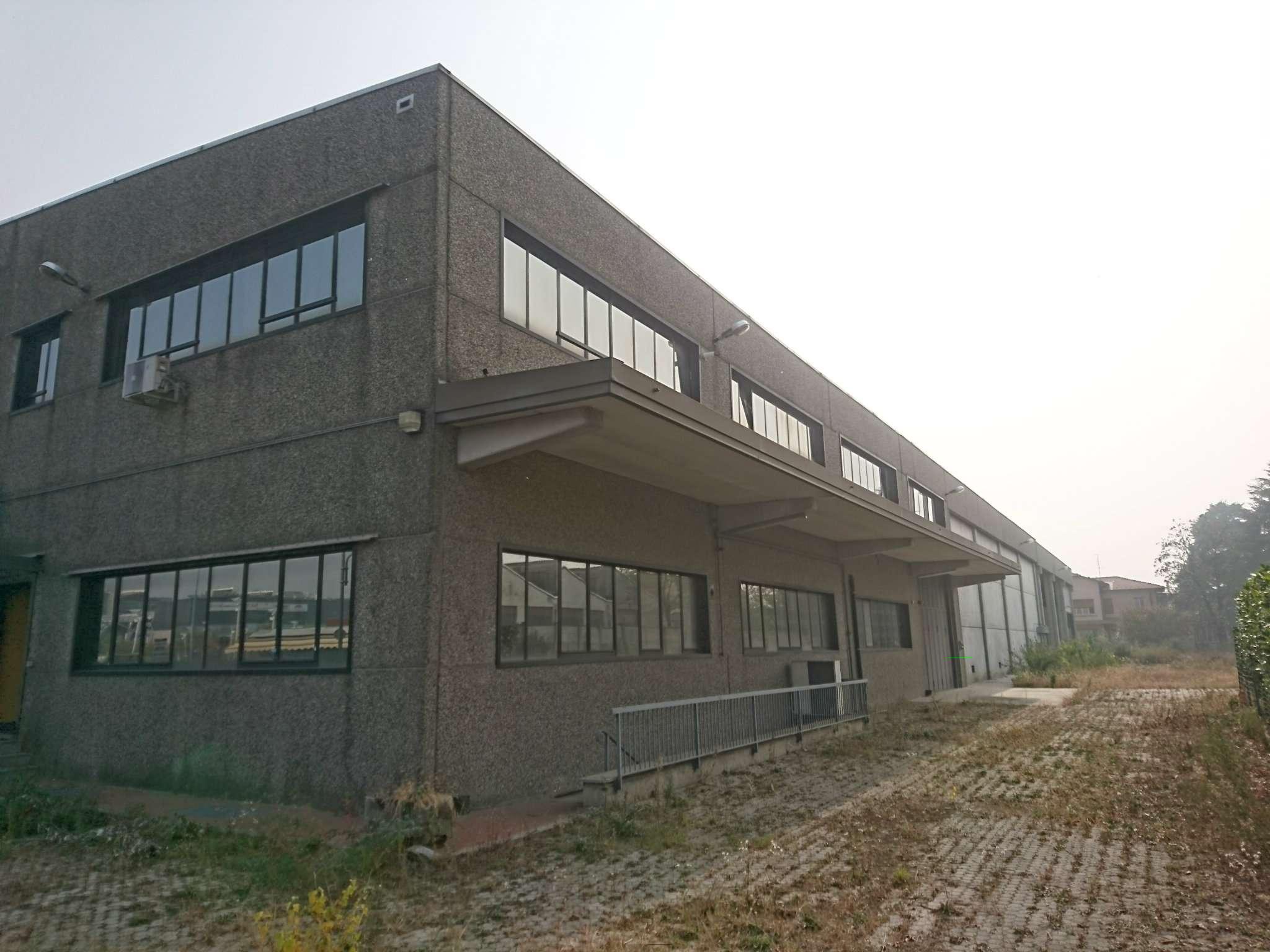 Negozio-locale in Vendita a Collegno: 5 locali, 3600 mq
