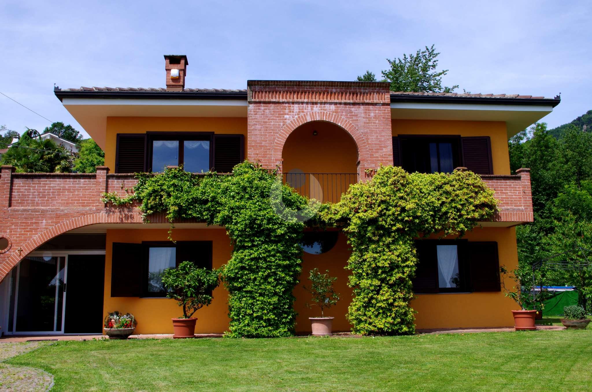 Villa in Vendita a Roletto: 5 locali, 250 mq