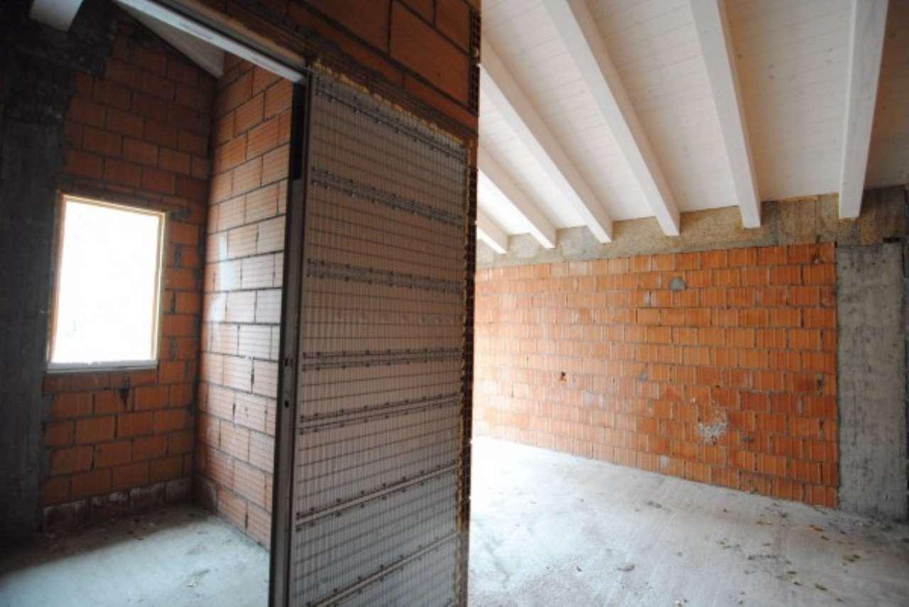 Villa in vendita a Mira, 4 locali, prezzo € 210.000 | CambioCasa.it