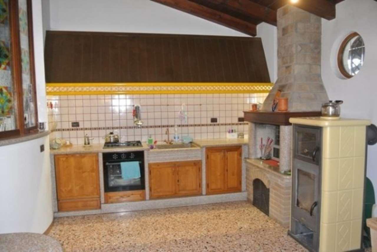 Villa in vendita a Camponogara, 6 locali, prezzo € 285.000 | CambioCasa.it