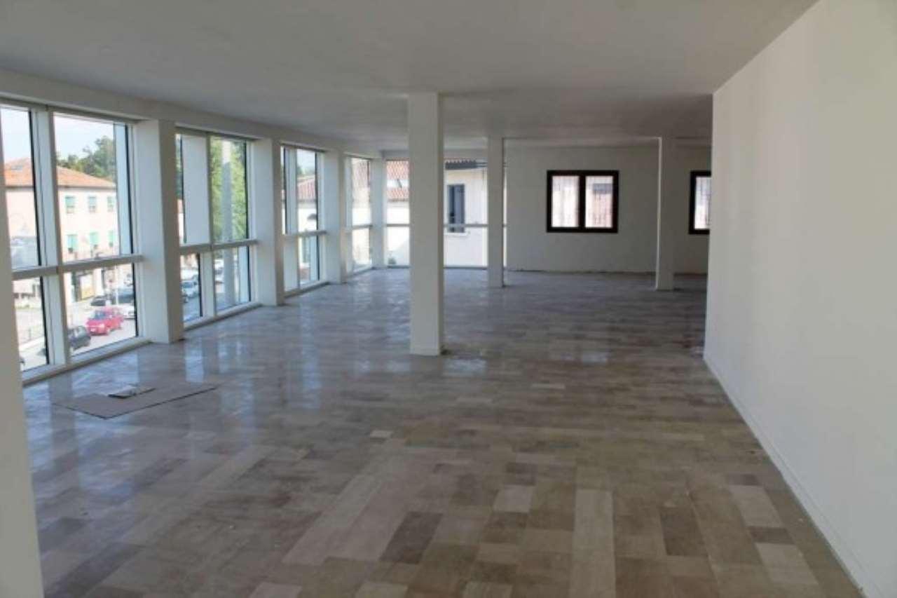 Ufficio / Studio in vendita a Spinea, 6 locali, prezzo € 2.400 | CambioCasa.it