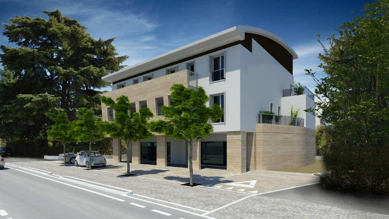 Negozio / Locale in affitto a Mirano, 3 locali, prezzo € 1.600 | CambioCasa.it