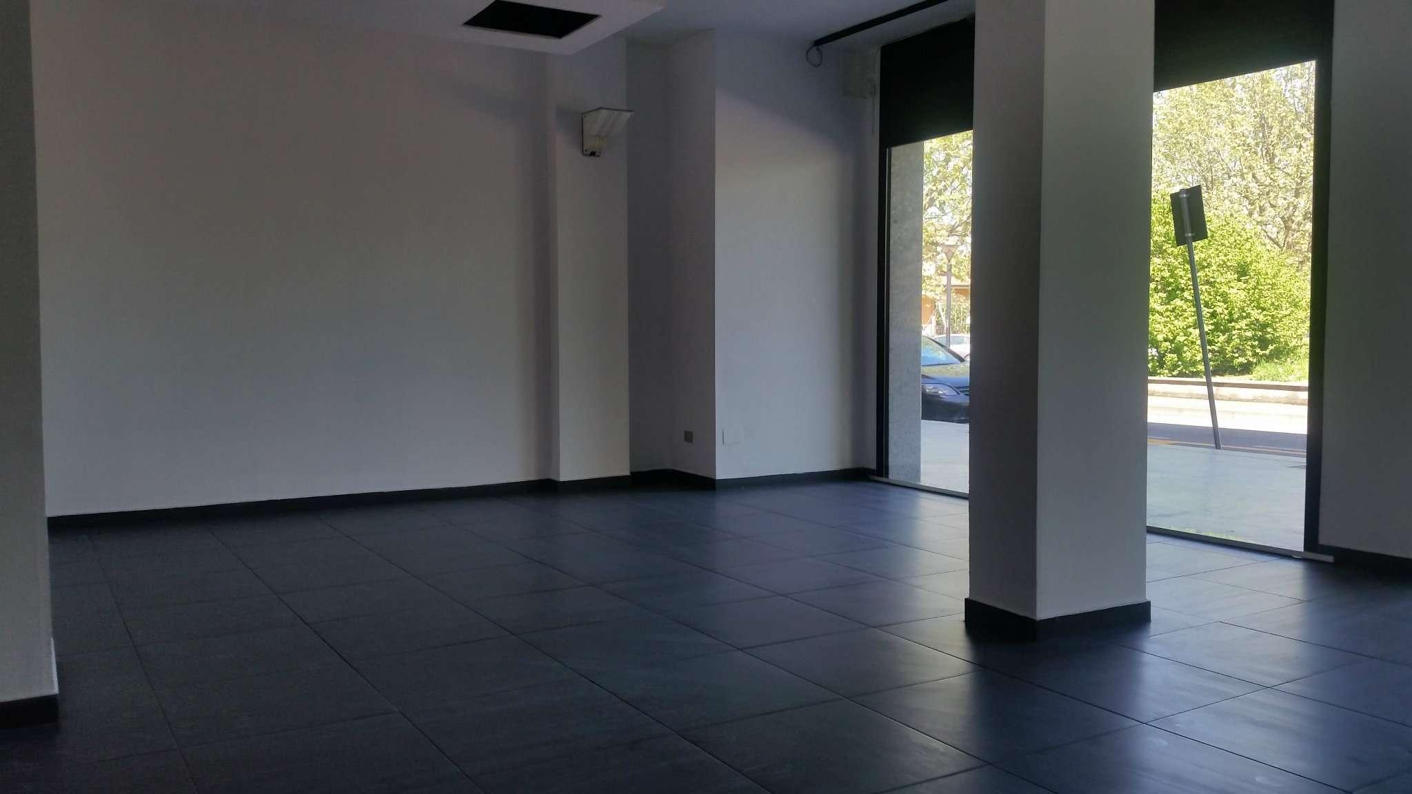 Negozio / Locale in affitto a Vanzago, 2 locali, prezzo € 1.000 | Cambio Casa.it