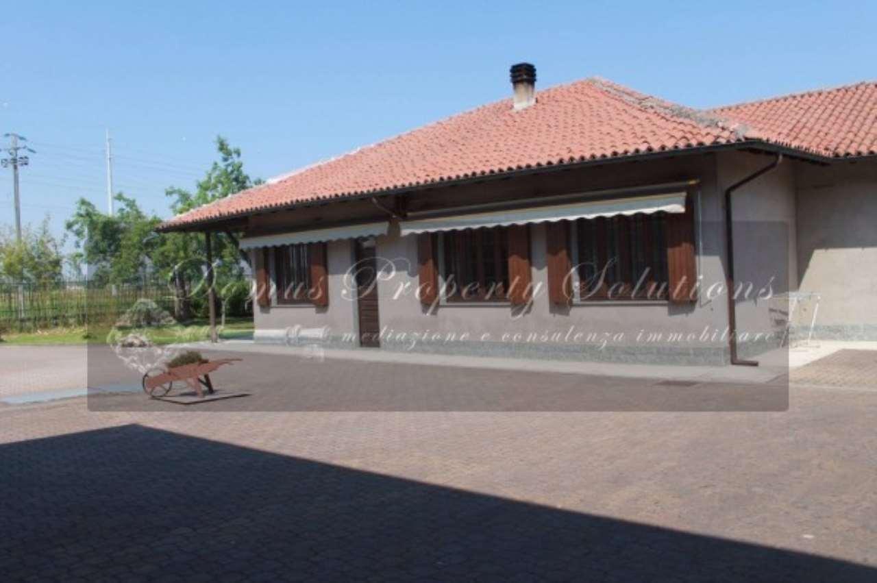 Villa in vendita a Garlasco, 6 locali, prezzo € 265.000 | Cambio Casa.it