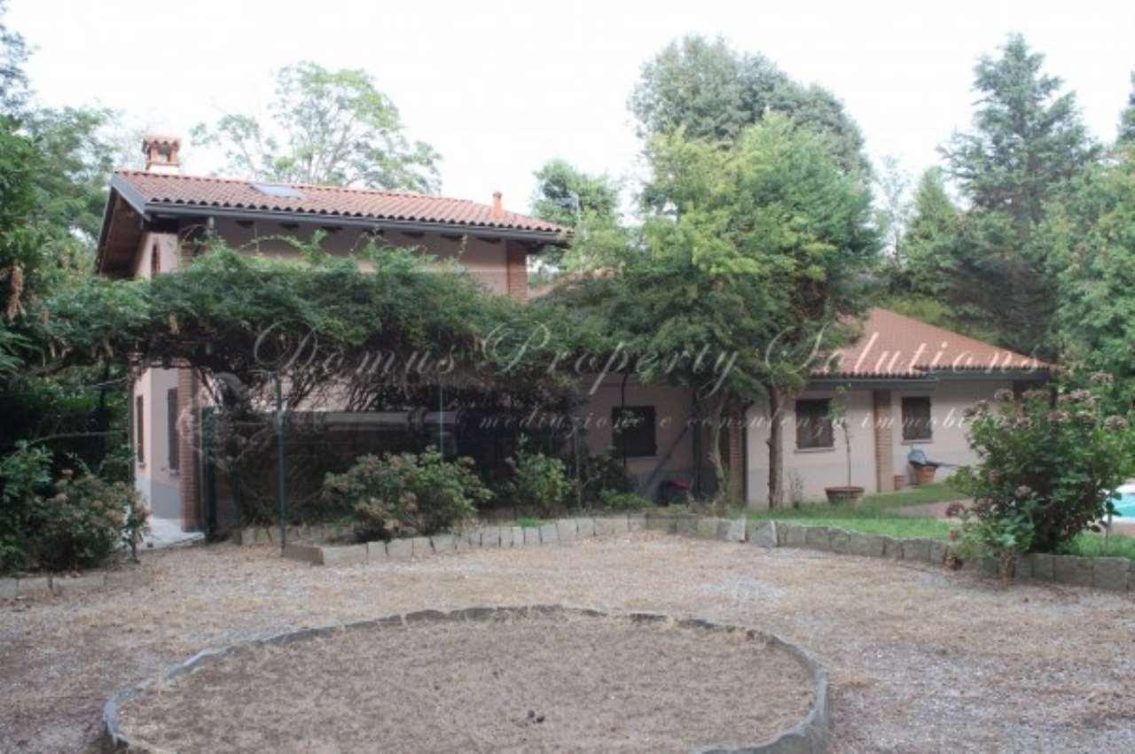 Villa in vendita a Vigevano, 6 locali, prezzo € 950.000 | Cambio Casa.it