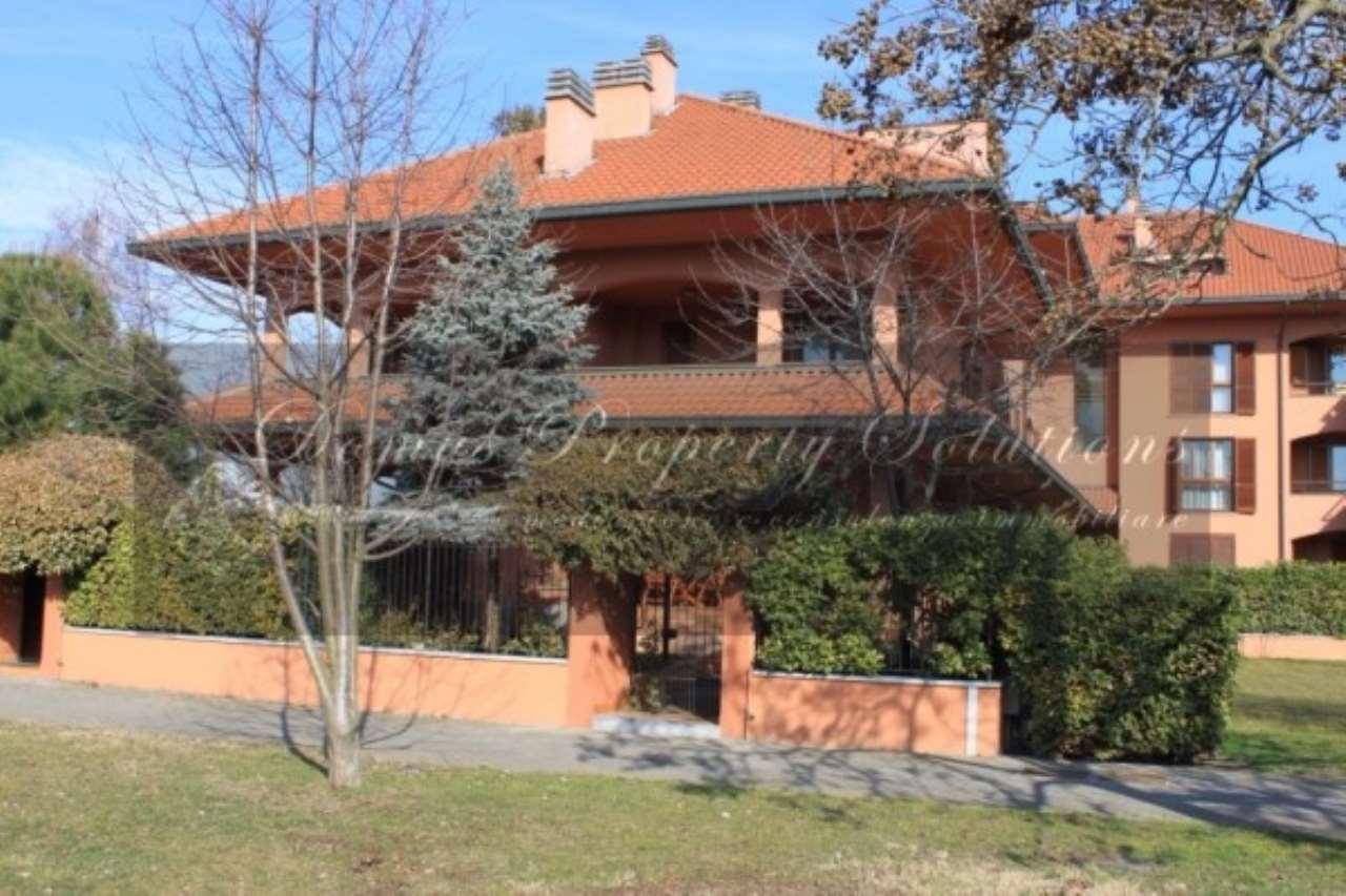 Villa in vendita a Opera, 6 locali, prezzo € 520.000 | Cambio Casa.it
