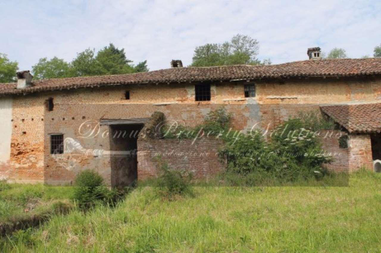 Rustico / Casale in vendita a Gropello Cairoli, 6 locali, prezzo € 186.000 | Cambio Casa.it