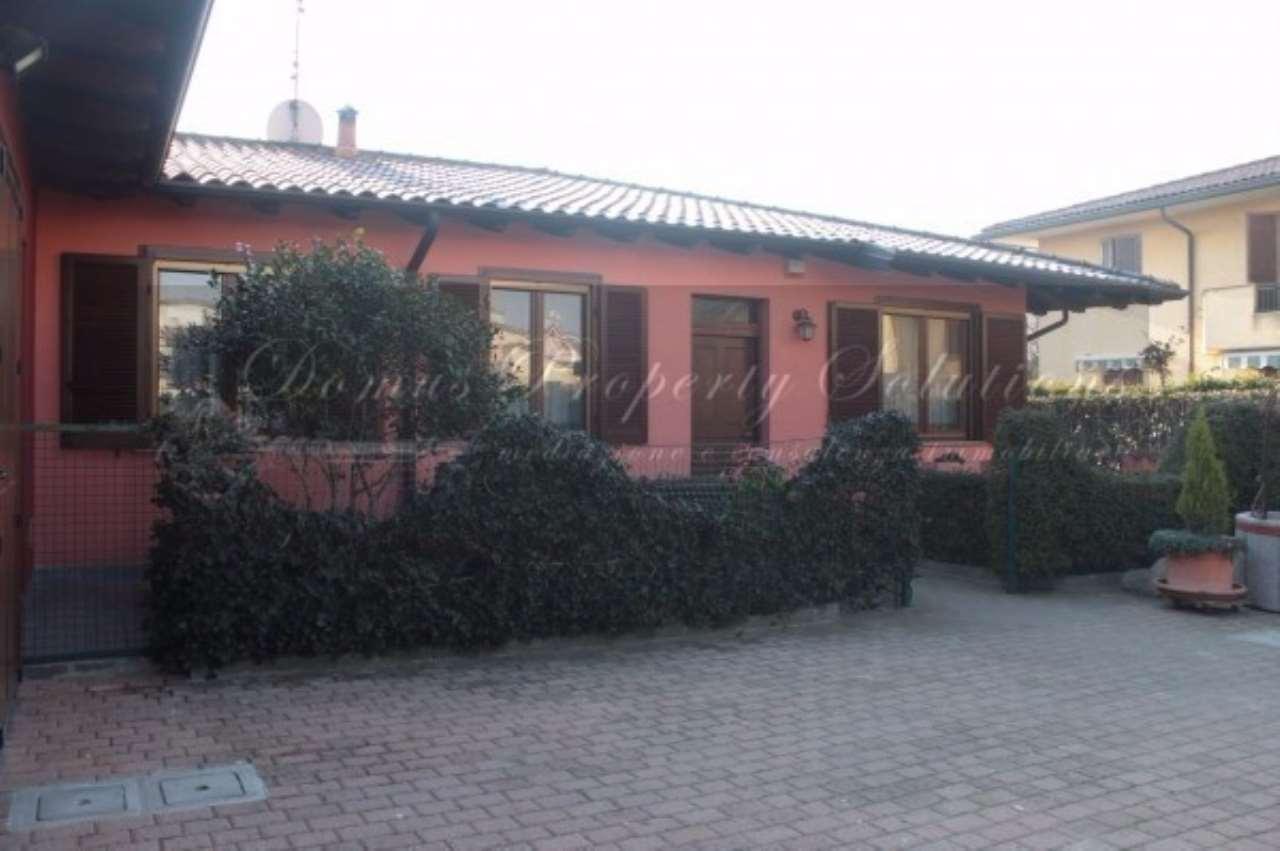 Villa in vendita a Dorno, 4 locali, prezzo € 198.000 | CambioCasa.it