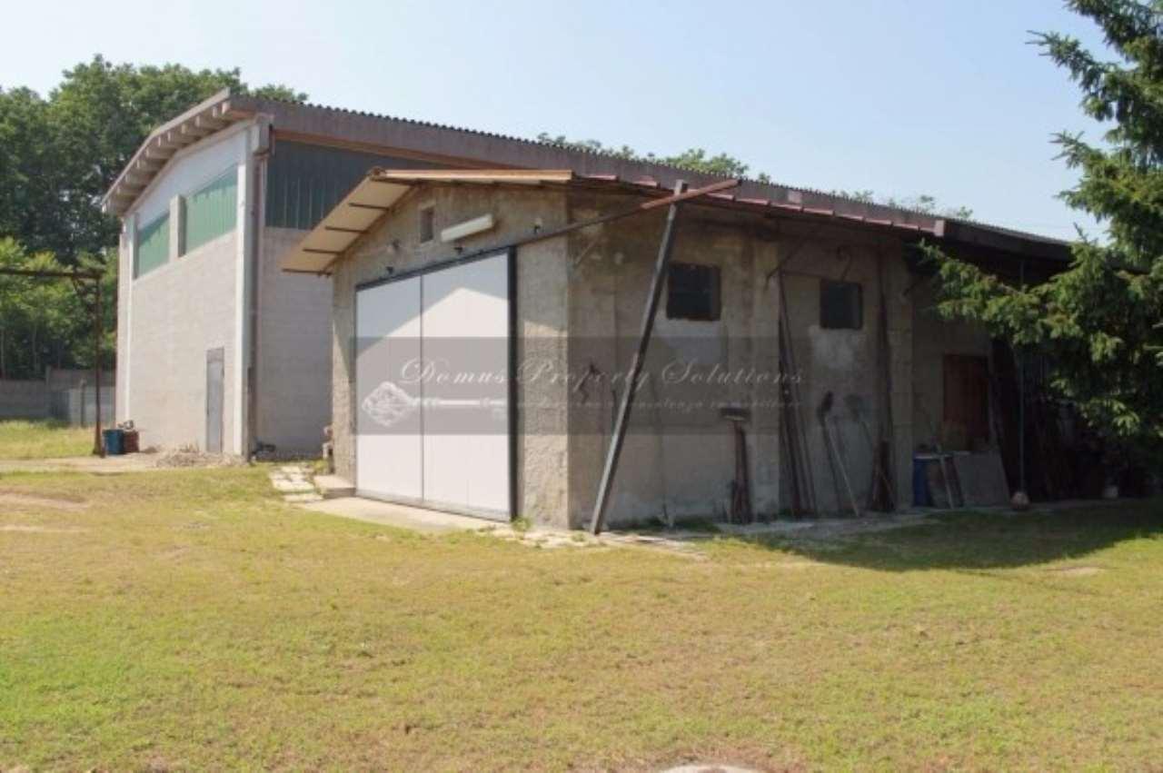 Immobile Commerciale in vendita a Garlasco, 6 locali, prezzo € 380.000 | Cambio Casa.it