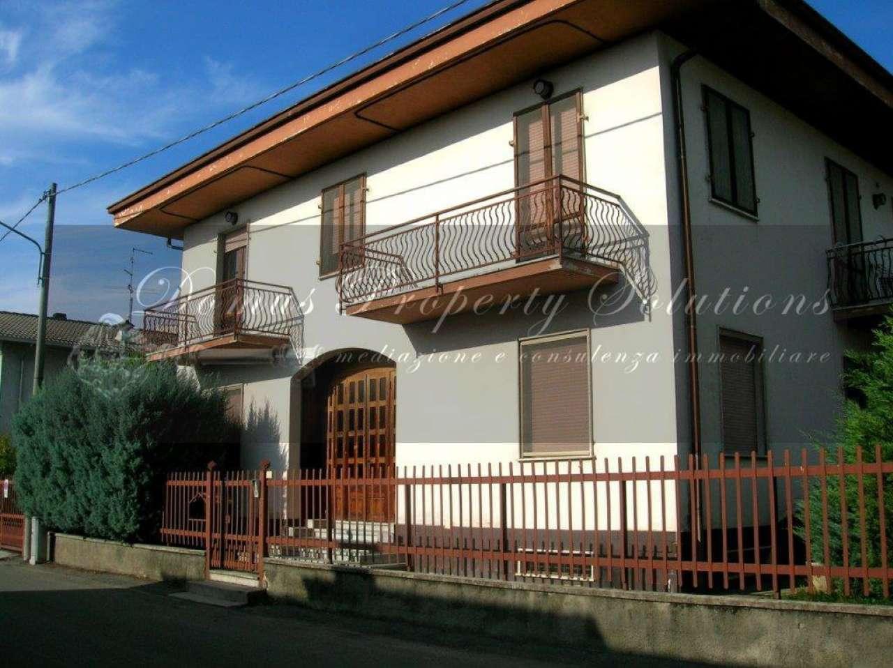 Villa in vendita a Garlasco, 15 locali, prezzo € 250.000 | Cambio Casa.it