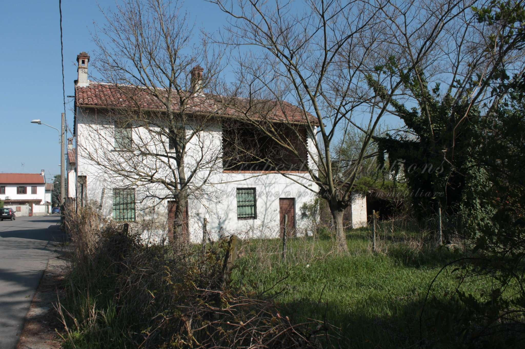 Rustico / Casale in vendita a Dorno, 6 locali, prezzo € 60.000 | Cambio Casa.it