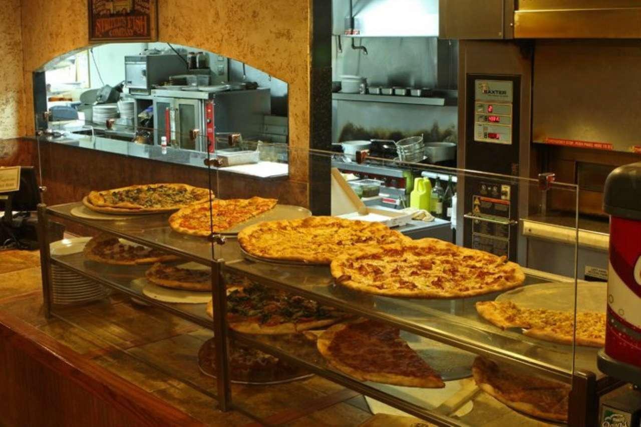 Ristorante / Pizzeria / Trattoria in Vendita a Abbiategrasso