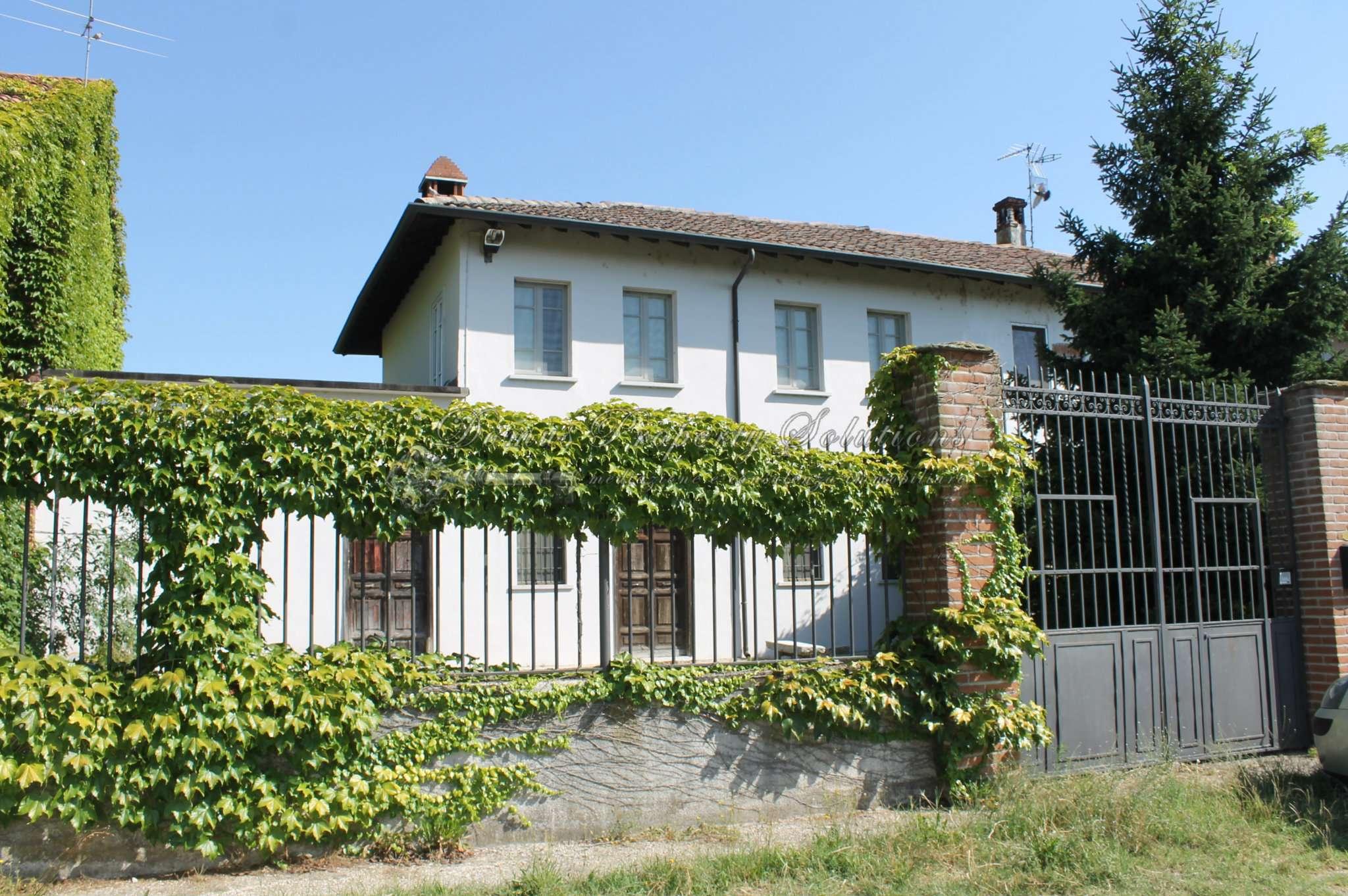 Rustico / Casale in vendita a Dorno, 6 locali, prezzo € 170.000 | CambioCasa.it