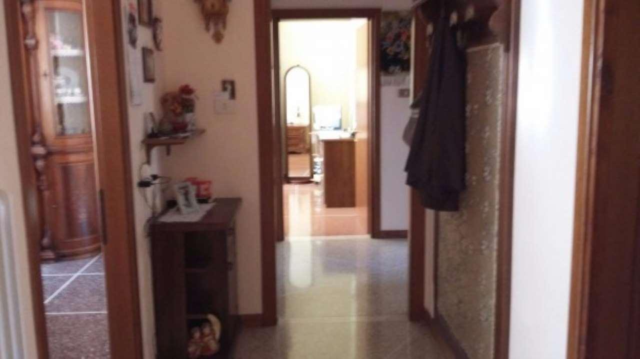 Appartamento in vendita a Castelfranco Emilia, 5 locali, prezzo € 140.000 | Cambio Casa.it