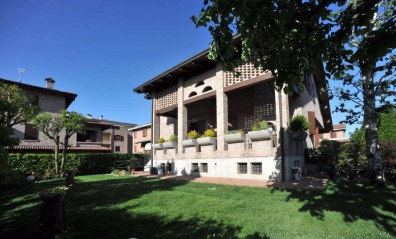 Villa in vendita a Castelfranco Emilia, 6 locali, Trattative riservate | Cambio Casa.it