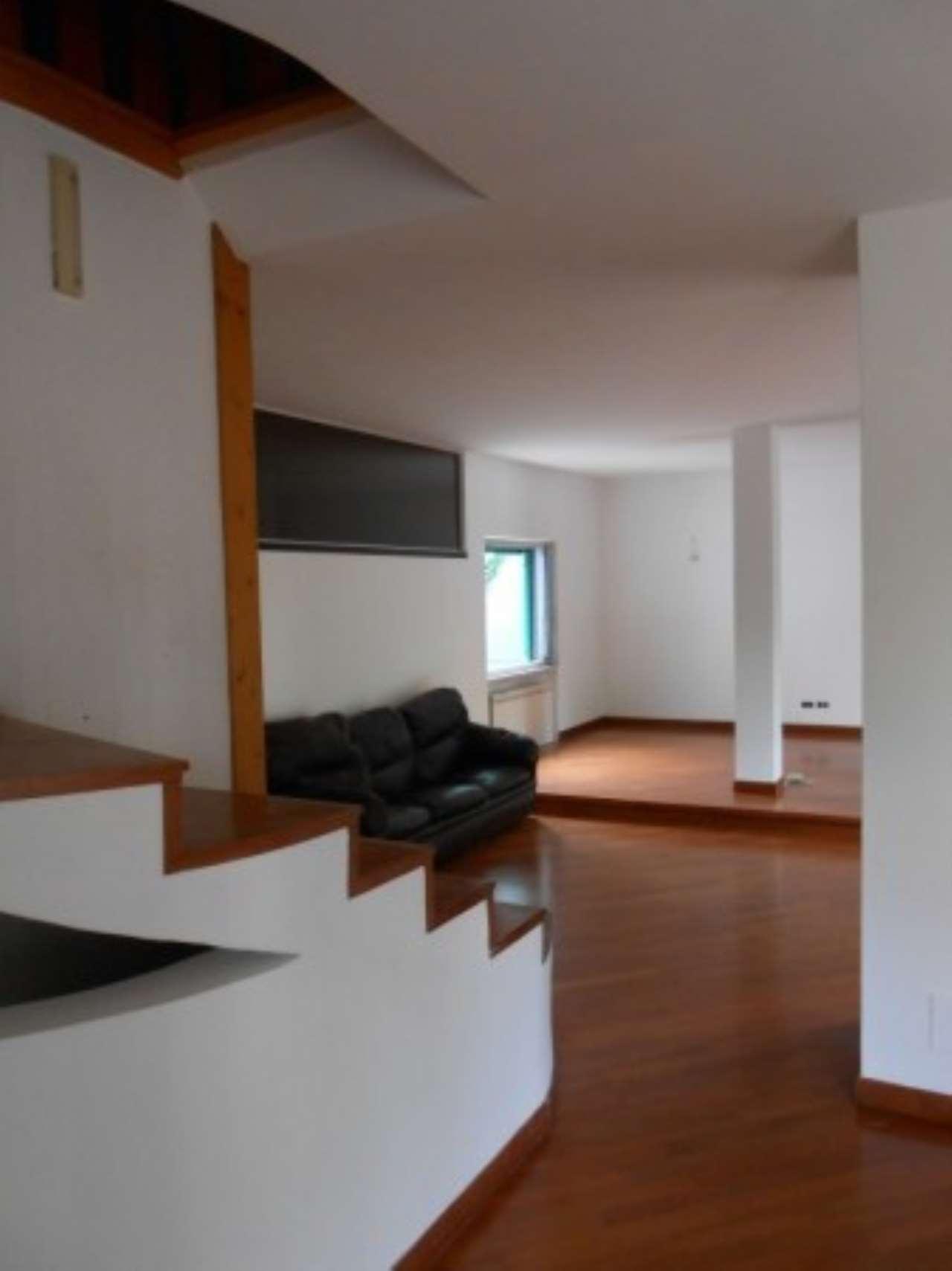 Villa in vendita a Mogliano Veneto, 6 locali, prezzo € 280.000 | CambioCasa.it
