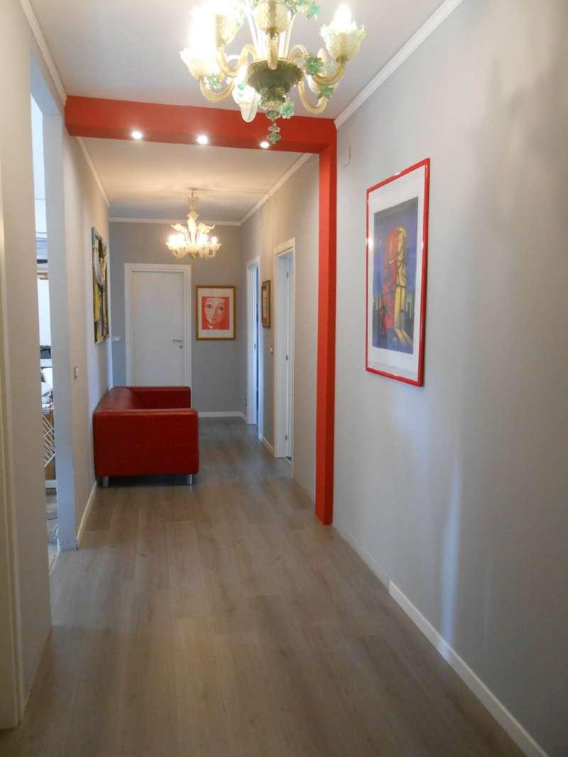 Appartamento in vendita a Venezia, 7 locali, zona Zona: 11 . Mestre, prezzo € 235.000   CambioCasa.it