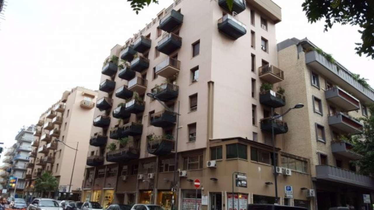 Appartamento in Vendita a Palermo Centro: 5 locali, 195 mq