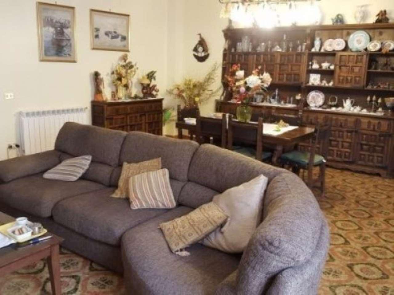 Appartamento in Vendita a Palermo Periferia: 5 locali, 180 mq