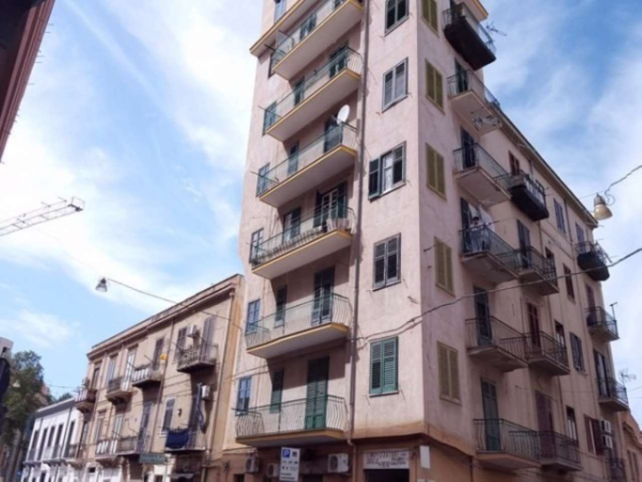 Appartamento in Vendita a Palermo Periferia: 4 locali, 110 mq