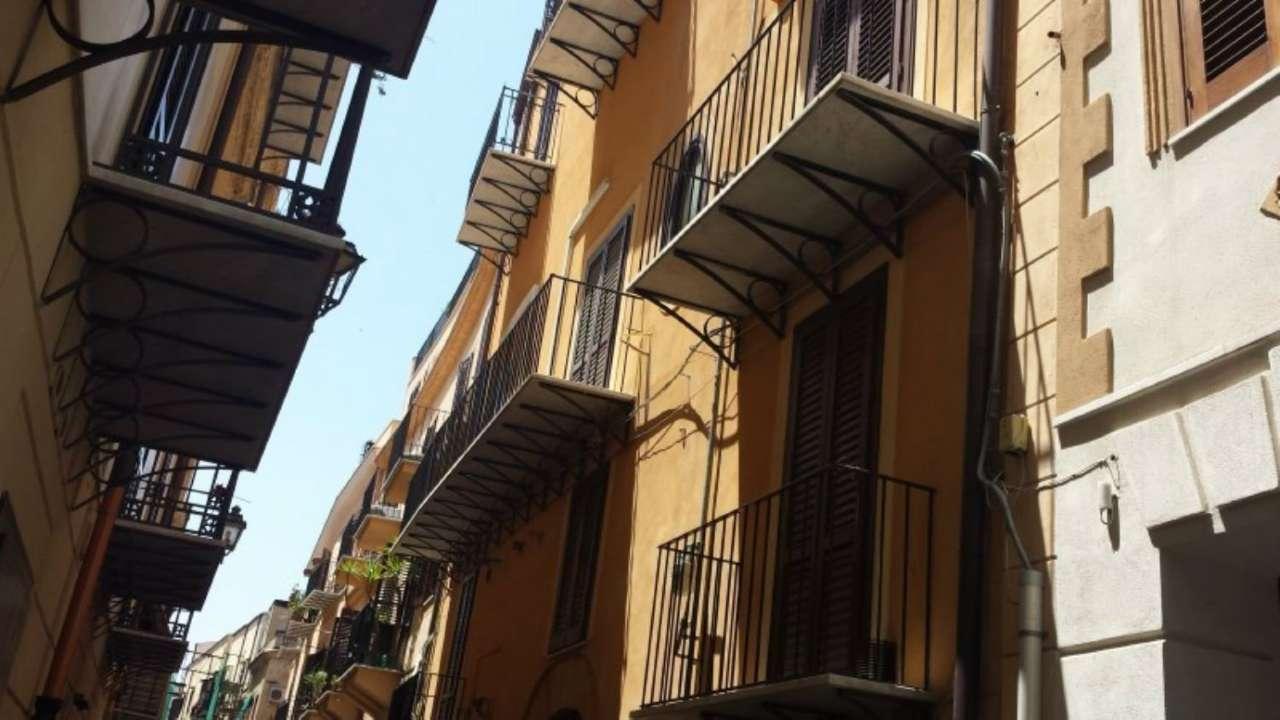 Appartamento in Vendita a Palermo Centro:  2 locali, 50 mq  - Foto 1